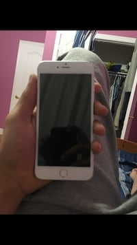 iPhone 6 Plus factory unlocked works with wind  Mississauga, L5C 4J8