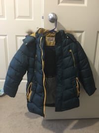 Boy's coat Size 9 exellent condition used just last winter New Westminster, V3M 1M4