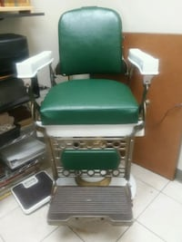 Antigue Barber chair  Randallstown, 21133