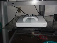 white Xbox One console with controller Bethel, 19507