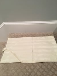Simple Ivory table runner. Canton, 02021