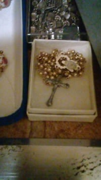 Silver small beads, complete rosary with box. Albuquerque, 87108