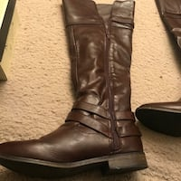 Pair of brown leather boots Stockton