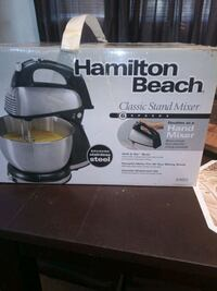 Classic stand Mixer 6speeds brand new never used  everything included  Capitol Heights, 20743