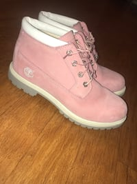 pink timberlands PRICE NEGOTIABLE Chamblee, 30341