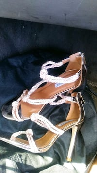women's pair of brown sandals Tampa, 33613