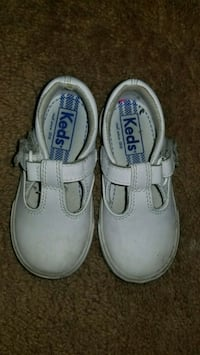 girls shoes toddler size 6.5 Virginia Beach, 23455