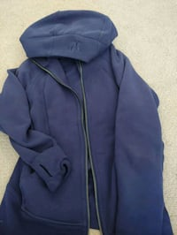 Lady Lululemon zip up sweater Edmonton, T6T 0K1