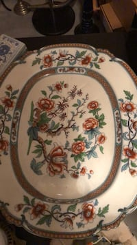 white, green, and red floral ceramic plate Bristow, 20136