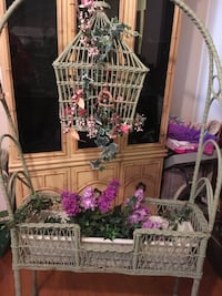 Vintage wicker plant stand with bird cage... Gurnee, 60031