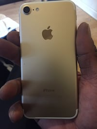 gold iPhone 6 with case New Orleans, 70112