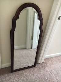 Mirror with wood frame and beveled glass Mobile, 36693