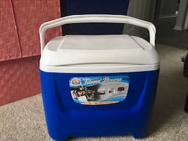 Igloo Ice Cooler