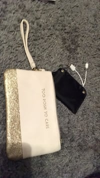 portable charger wristlet rose gold Lubbock, 79415