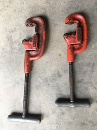 Two red and black metal tools Newburgh, 47630