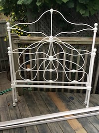 Antique 3/4 iron bed frame Kitchener, N2M 1L5