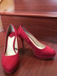 red suede heel shoes Vancouver, V5N 3Z3