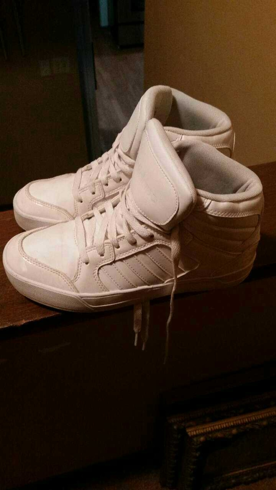 white mid lace up shoes - Elgin