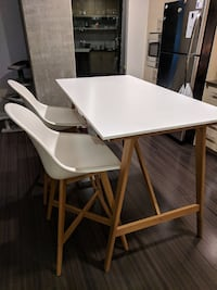 Bar height dining table +2 chairs