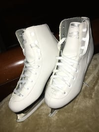 pair of white Nike Air Force 1 high shoes College Station, 77845