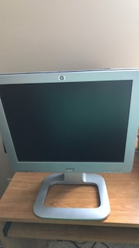 Gray hp flat screen computer monitor 17 inch Webster, 14580