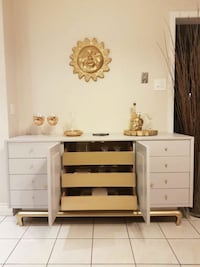 Light grey and gold sideboard / dresser  Markham, L3T 6V6