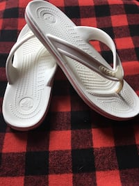 Crocs Crocband Lopro Flip Sandal Shoes, White, Mens 6 Us M / Womens 8 Toronto, M1S 3Z1