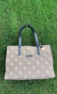 Dooney & Bourke pocketbook