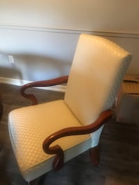 white and brown wooden armchair Saint Petersburg, 33716