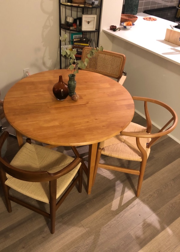 Used Round Wooden Dining Table For Sale In Mississauga
