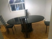 Dining table and three chairs Mississauga, L5B 1V2
