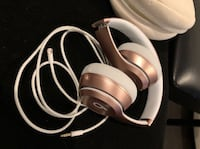 BEATS Headphones w/cord and case  Windsor Mill, 21244
