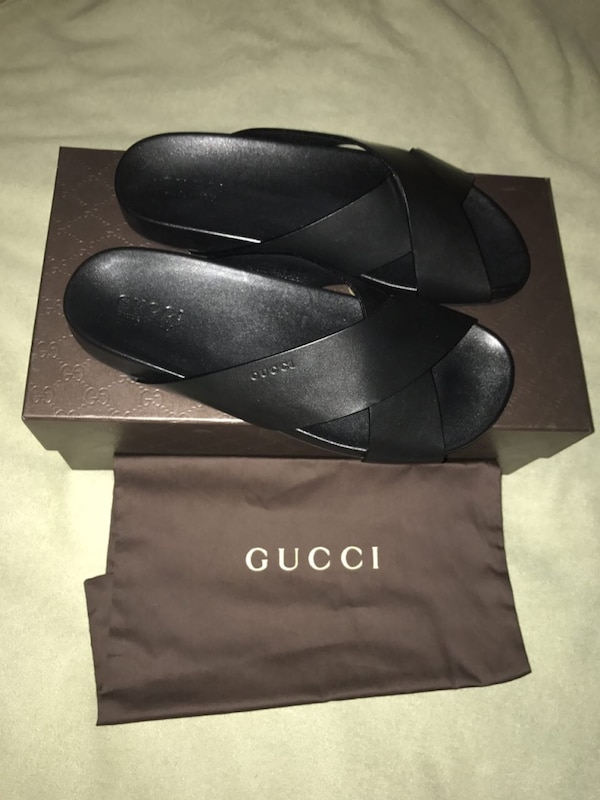 c827b90e8c8f52 Brukt Gucci black flip flops on box   dust bag  size 9 til salgs i ...