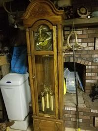 1988 Howard Miller grandfatherclock mint condition