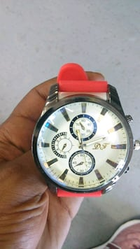 round silver chronograph watch with red leather strap Washington, 20002