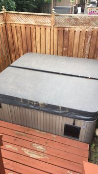 Hot tub (Needs Work) Barrie, L4M 6X1