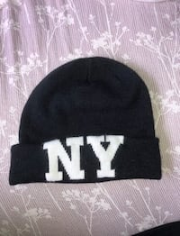 Charlotte Russe Black Fold-Over NY Beanie One Size - Pre-owned Honolulu, 96826