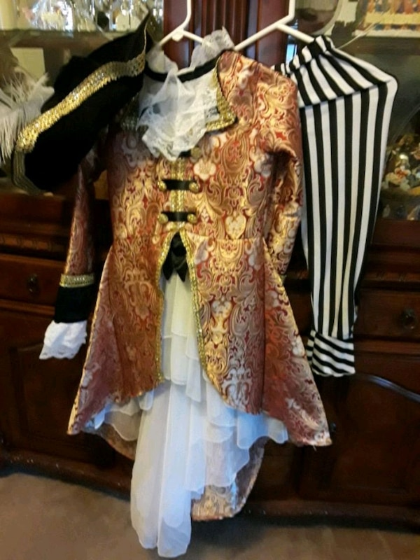 Pirate costumes for girls size 10 01983418-20ac-4eb3-9a69-4c296dce2bf2
