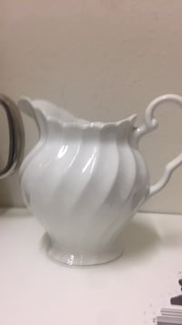 white ceramic pitcher and bowl Pearland, 77584