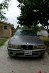 gray BMW vehicle Pharr, 78577