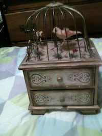 Antique musical jelwery box w/bird in cage