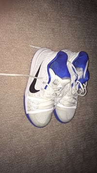 Kyrie three's size 4.5 boys Edmonton, T6M 0P9