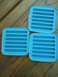 two blue plastic plastic containers Menifee, 92585