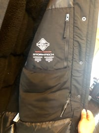 Brand new (with tags still on) ladies' winter jacket! Cambridge, N3H 5L8
