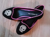 black and pink skull flats Winnipeg, R2V 0L5