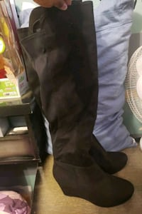 Brand new Rouge wedge winter boots Toronto, M9W 3Y2