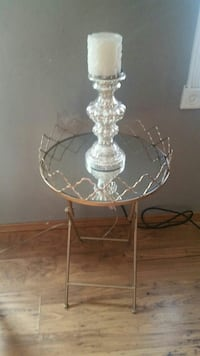 round clear glass top table
