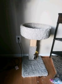"30"" cat tree / scratching post / bed   Gaithersburg, 20886"