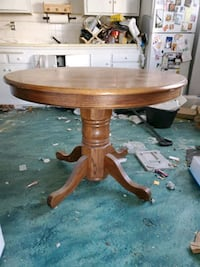 Beautiful antique table with chairs Salt Lake City, 84106