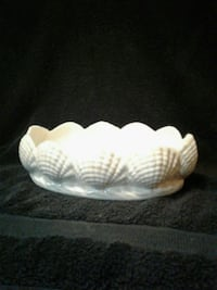 Shell Design Ceramic Dish or Flower Display. Houma, 70363